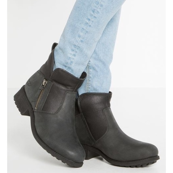 1851f25b3a5 Ugg Lavelle Boots Black 9.5